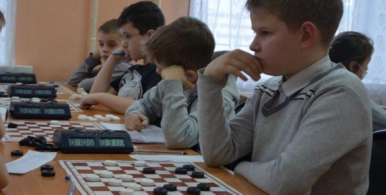 Подведены итоги быстрой программы первенства УрФО по шашкам