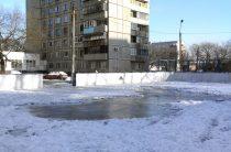 Хоккейные коробки Челябинска зальют к полуночи