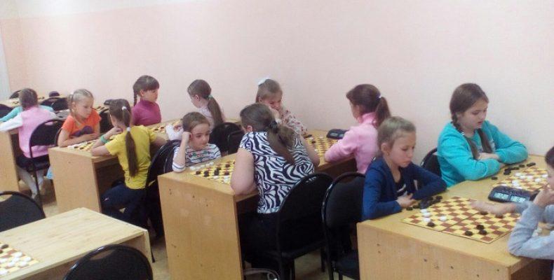 Новая победа Саввы Заики в Первенстве по шашкам