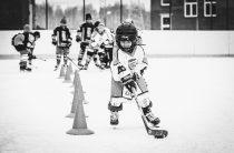 Каникулы на коньках: хоккейные коробки в Челябинске