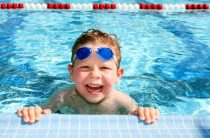 Бассейн ЮУрГУ: когда ребенок поплывет